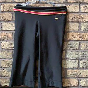 "Nike ""livestrong"" Capri workout lpants size med"
